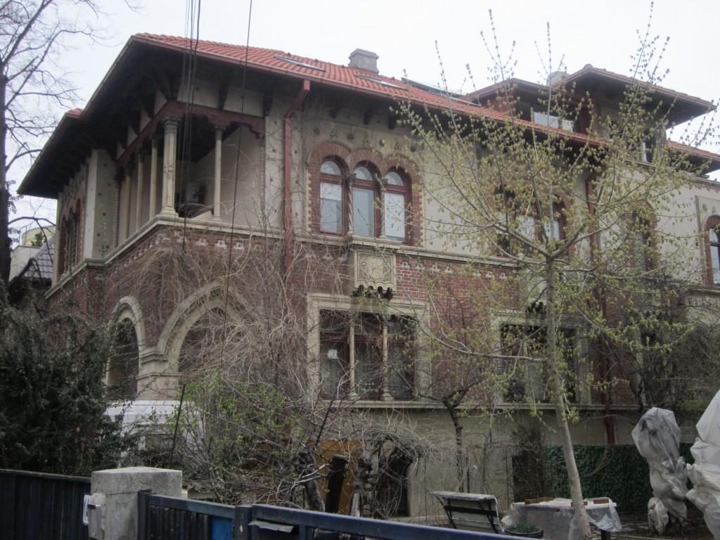 Casa Poru, Bucuresti, arh. Al. Iliescu, A. Ghiaciu_sursa foto arhicadi.wordpress.com