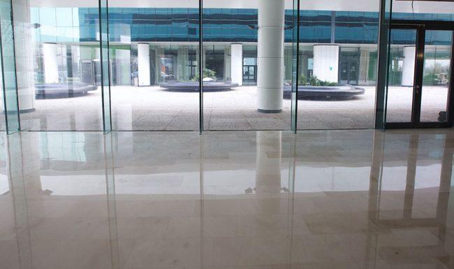 Șlefuire marmură clădire de birouri, București